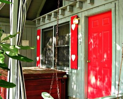 Bear Paw Cottage(#3 King) Adorable; Hot Tub; Pet friendly; 2Adults/ 2Children - Sautee Nacoochee