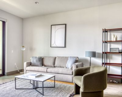 Stunning Mid-Wilshire 1BR w/ Gym, Pool, walk to S. La Brea, by Blueground - Mid-Wilshire