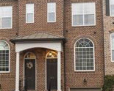 2673 Rivers Edge Dr Ne, North Atlanta, GA 30324 3 Bedroom House