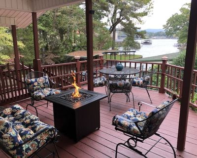 Cozy cottage w/ deck overlooking Lake Hamilton; Kayak/Pedal Boat fun available! - Rockwell