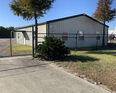 Office/Showroom/ Large Fenced Yard