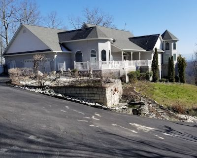 MOUNTAIN GETAWAY NEAR PIGEON FORGE - PRIVATE 78 ACRES - PETS WELCOME - New Market