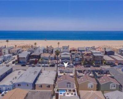 210 E Balboa Blvd, Newport Beach, CA 92661 3 Bedroom House