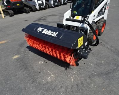 """2020 Bobcat 52"""" Angle Broom - In Excellent Condition - 10.3 CID Motor Package (9.6 – 12.0 GPM)"""