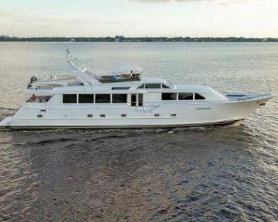 2000 Broward 100 Motor Yacht