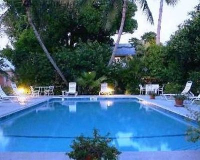 Charming Conch Cottage in Old Town Key West - Key West Historic District