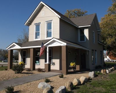 DOWNTOWN INDIANAPOLIS LUXURY HOME - 1 BLOCK FROM CITY CENTER! - Babe Denny