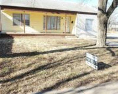 2203 S Topeka Ave #1, Wichita, KS 67211 3 Bedroom Apartment