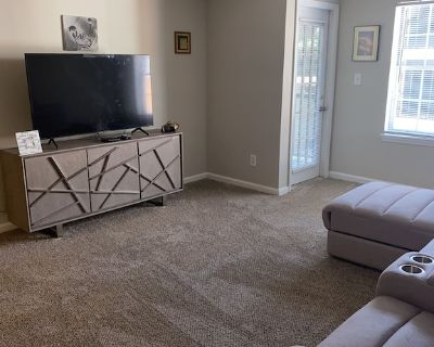 Lovely 1 Bedroom Luxury Apartment In Downtown Atlanta - Colonial Homes