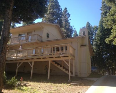 Lake Almanor Country Club home - lake view, beautiful decor, outdoor recreation - Lake Almanor Country Club