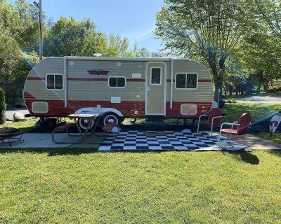 One of a Kind New Retro/Vintage Camper!! - Gatlinburg