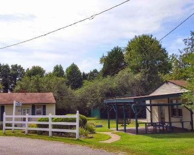 Cottage with Kitchen & Bath in Williamsburg, VA / Busch Gardens - James City County