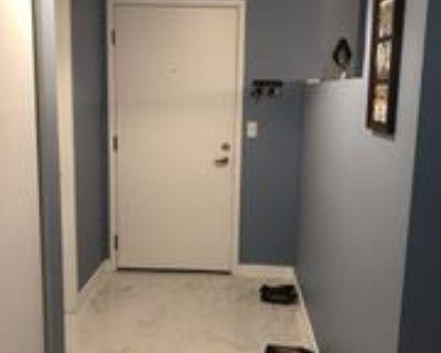 424 102nd Ave Se #206, Bellevue, WA 98004 2 Bedroom Condo