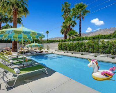 Ultra-Luxury Mid-century Alexander- Resort Style Pool, Spa & Fire Pit 3BD/3BATH - Sunrise Park
