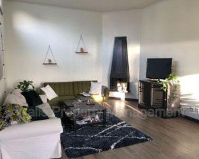 526 W Mercer Pl #401, Seattle, WA 98119 2 Bedroom Condo