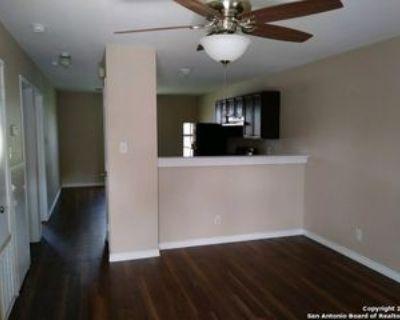 830 W Hutchins Pl #7, San Antonio, TX 78221 2 Bedroom Apartment