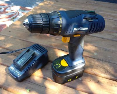Mastercraft cordless drill 12 volt the charger and Battery new condition