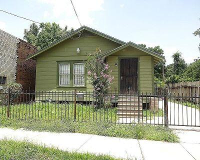 3007 Holman Street, Houston, TX 77004
