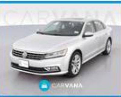2017 Volkswagen Passat Silver, 46K miles