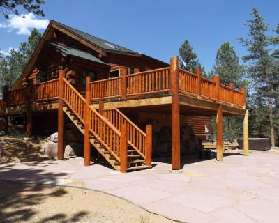 Cozy Log Home with Hot Tub, Decks, more on 50 private acres - No Cleaning Fee! - Divide