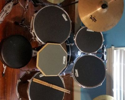 Mapex 5 piece drum kit with many extras