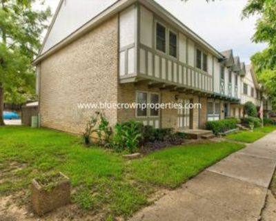 462 Westview Ter, Arlington, TX 76013 3 Bedroom Condo