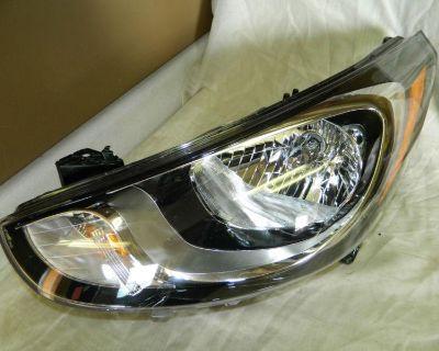 Oem 2012-2013 Hyundai Accent Left / Driver Side Halogen Headlight #92101-1r010