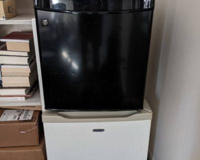 Free Mini fridge + mini freezer - Free