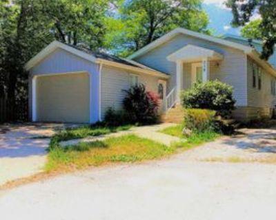 318 N Waukegan Rd, Lake Bluff, IL 60044 3 Bedroom Apartment