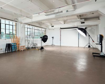 1800+ sq/ft Photo Studio Downtown Indy, Indianapolis, IN