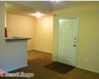 1 bedroom 1220 SE 9Th St