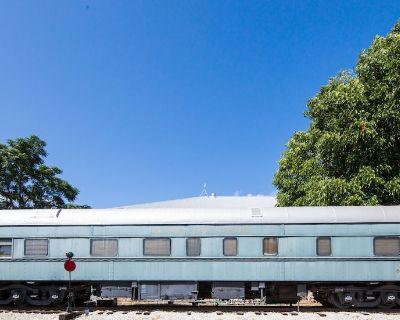 Historic Train Car close to Mains Street! Walk everywhere! - Fredericksburg