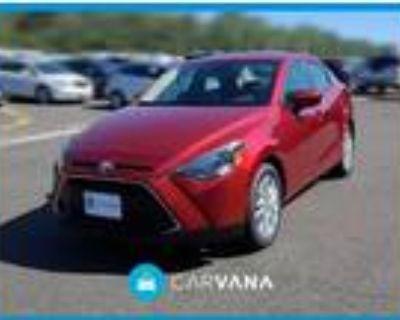 2018 Toyota Yaris Red, 32K miles