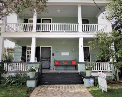 Beautiful Historic Home- 2 Blocks to Beach and 4 Blocks to Downtown! - Old Town Bay St Louis