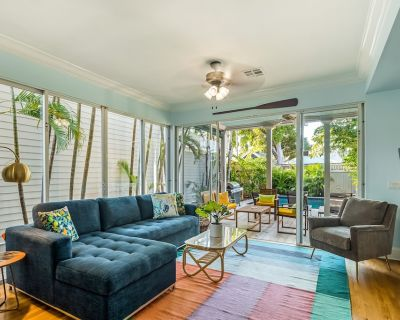 Lovely, Dog-friendly Townhouse w/ Private Pool, Full Kitchen & Beach Access - Uptown - Upper Duval