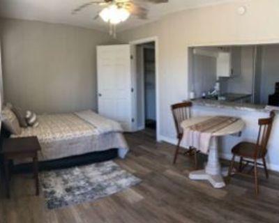 911 College Ave, Midland, TX 79701 1 Bedroom House
