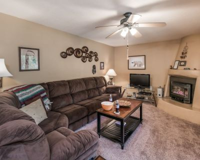 Oso Blanco offers plenty of privacy and comfort during your visit to Ruidoso. Fu - Ruidoso
