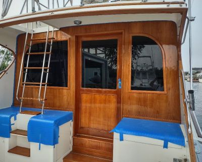 Yacht Carpenter Boat Repair