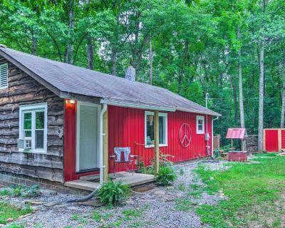 NEW! 'Peace Cabin' in Fletcher: 15 Mi to Asheville - Fletcher