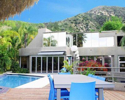 Idyllic secluded mountain Villa of 100 Games w/pool & spa - Altadena