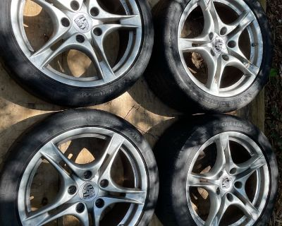 """Pristine OEM 2009 Cayman S 18"""" rims with Michelin Pilot SS"""