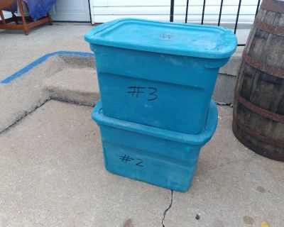 Pair of Sterilite Totes with Lids (10 Gal)