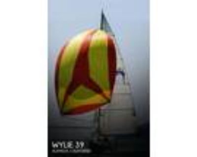 39 foot Wylie 39 Fractional Rig