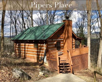 SANITIZED BETWEEN GUESTS - Pipers Place - A studio cabin for two with swimming, whirlpool, fireplace - Townsend