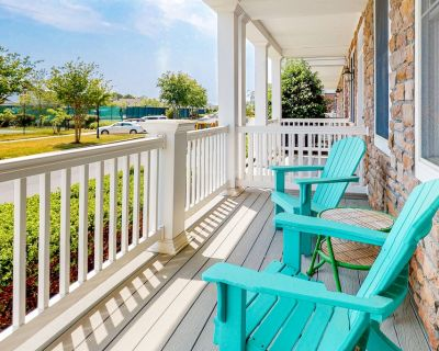 Bayside Resort townhouse w/ gym, private gas grill, pool, and free WiFi - Sun Ridge