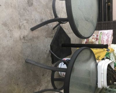 Set of 2 patio tables