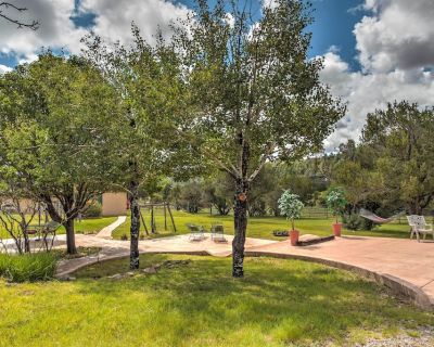 Spacious Alto House on 8 Private Acres w/ Hot Tub! - Alto