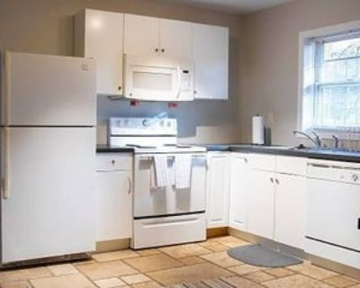 Room for Rent - a 10 minute walk to bus 144, Decatur, GA 30032 1 Bedroom House
