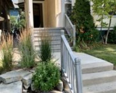 2408 E Park Pl, Milwaukee, WI 53211 2 Bedroom Apartment