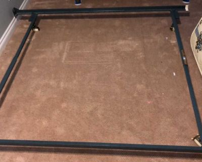 Queen bed rails and mattresses